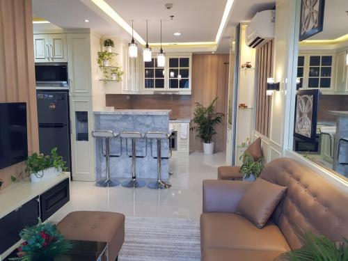 2 Bedrooms Brooklyn Apartment by J's Luxury near by IKEA Alam Sutera, Tangerang Selatan