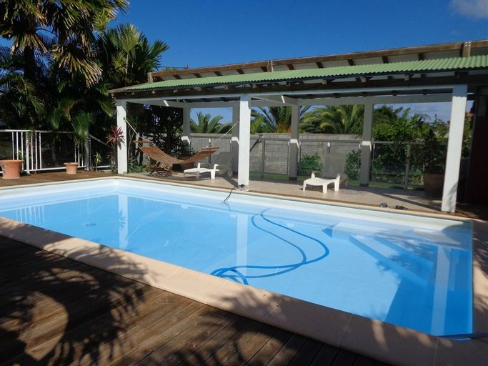House With one Bedroom in Le Moule, With Pool Access, Furnished Garden, Le Moule
