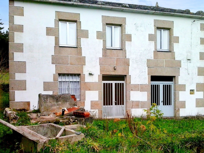 House With 4 Bedrooms in Ourol, With Wonderful Mountain View and Enclo, Lugo