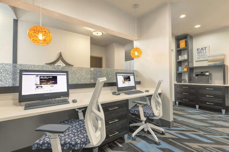 Hampton Inn & Suites Herndon Reston, Fairfax