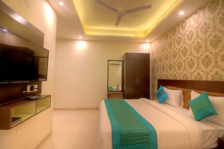Hotel Paragon Suites, West