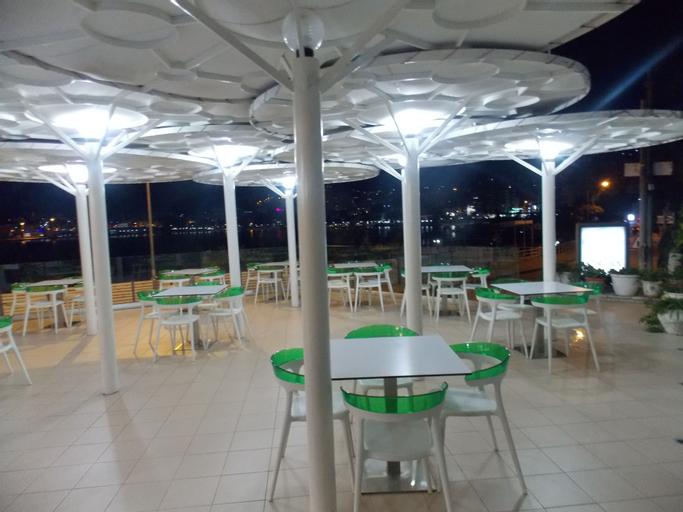 Hotel Strora, Sarandës