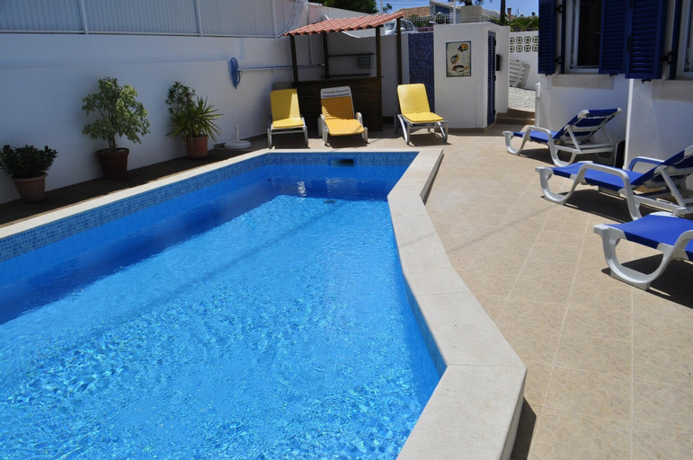 House With 4 Bedrooms in Carvoeiro, With Wonderful Mountain View, Private Pool, Enclosed Garden - 2 km From the Beach, Lagoa