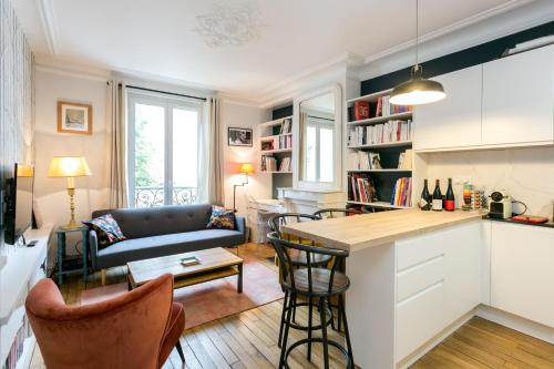 Charming 2 Bedroom Property near Montparnasse, Paris
