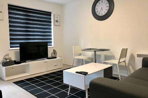 Spacious & Luxurious 1 bed House in Thamesmead, London