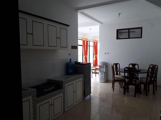 Villa Adelline Tawangmangu, Karanganyar