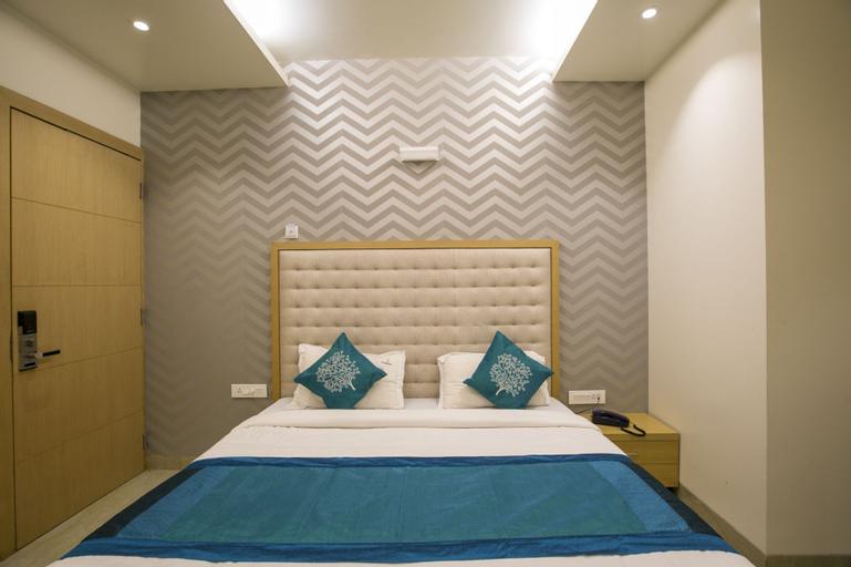 OYO 3774 Hotel Naman Palace, Bhopal