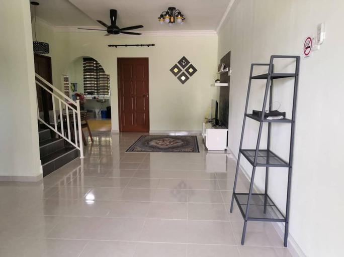 AJ HOMESTAY Tok Bali (STAY WITH US, FEEL AT HOME), Pasir Putih