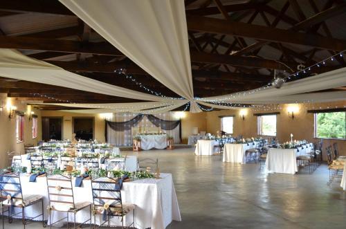 Tava Lingwe Game Lodge & Wedding Venue, Fezile Dabi
