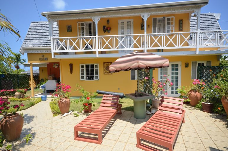 Cannon Cottage, 3BR by Jamaican Treasures,