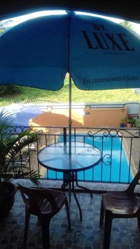 Apartment with 2 bedrooms in Pointe aux Piments, with wonderful sea view, shared pool, terrace - 200,