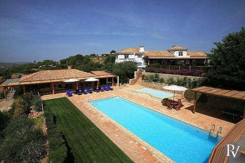 Boliqueime Villa Sleeps 8 Pool Air Con WiFi, Albufeira