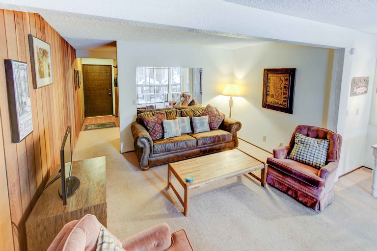 Sherwin Villas 52 - One Bedroom Condo, Mono