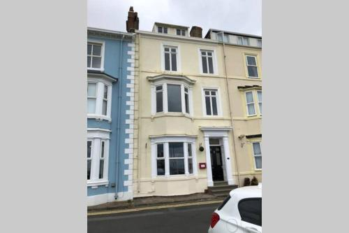 2 The Green, exceptional large house, sea views loads of bathrooms, Hartlepool