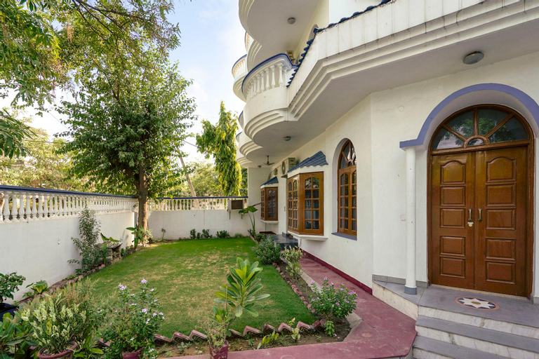 Lavish 3-bedroom home in a bungalow/73264, Gurgaon