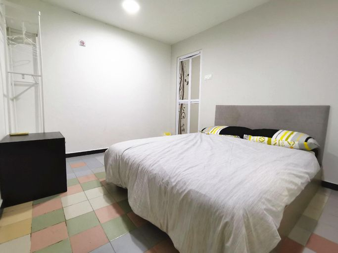 Private Bedroom I 05 Perindustrian Lukut Indah, Port Dickson