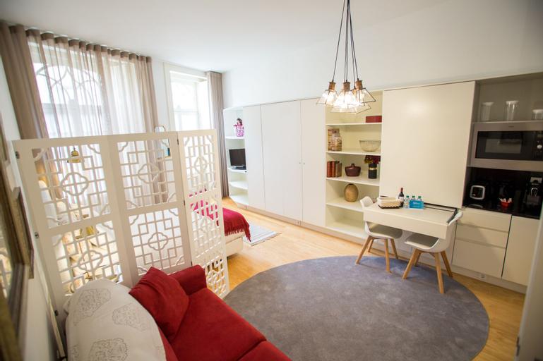 Almada Story Apartments by Porto City Hosts, Porto