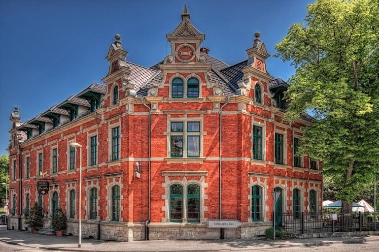 Gasthaus & Hotel Zur Henne, Burgenlandkreis