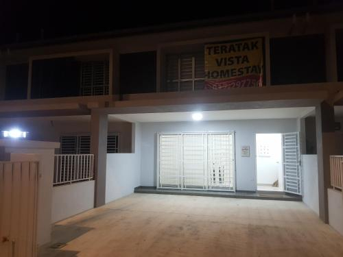 Fully Airconditioned WIFI Rooms Budget Homestay Pagoh, Muar