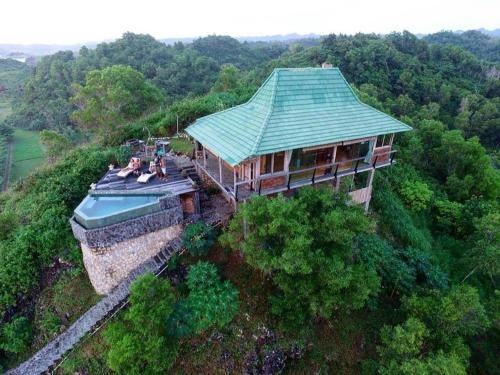 Batu Hill Villa, Pacitan