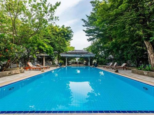 Royal Riverside Resort & Spa, Dusit