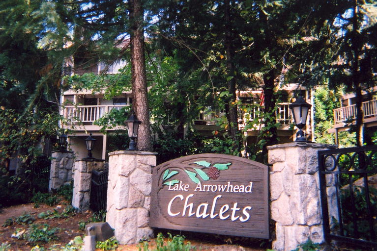 Lake Arrowhead Chalets, San Bernardino