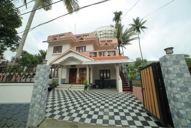 couplefriendly family rooms with good ambiance , Theni