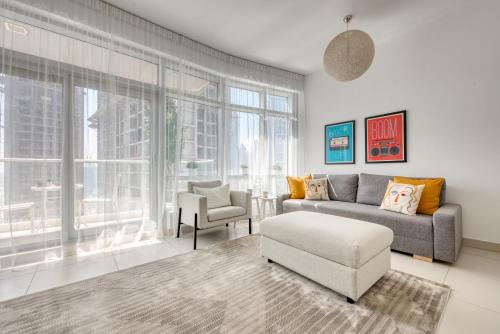 One Bedroom Apartment in The Lofts T West by Deluxe Holiday Homes,