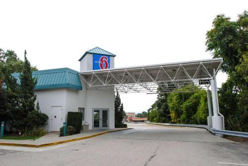 Motel 6 Warwick RI - Providence Airport - I-95, Kent
