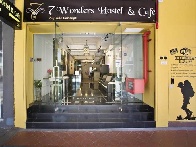 7 Wonders Hostel, Rochor