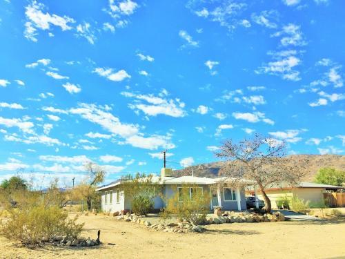 29 Hillside by JTNP Visitor Center, San Bernardino