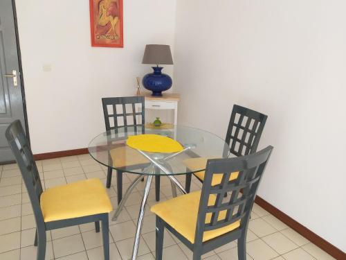 Appartement Madeleine - Confort-Calme-WIFI- Proximite centre ville, Rémire-Montjoly