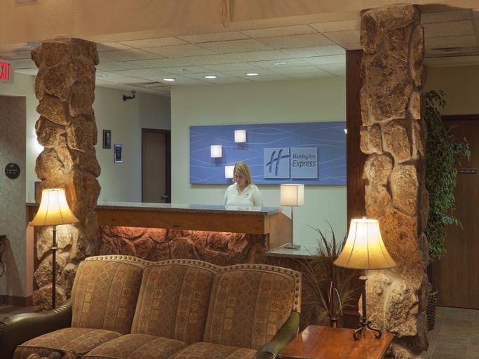 Holiday Inn Express Hotel And Suites Keystone, Pennington