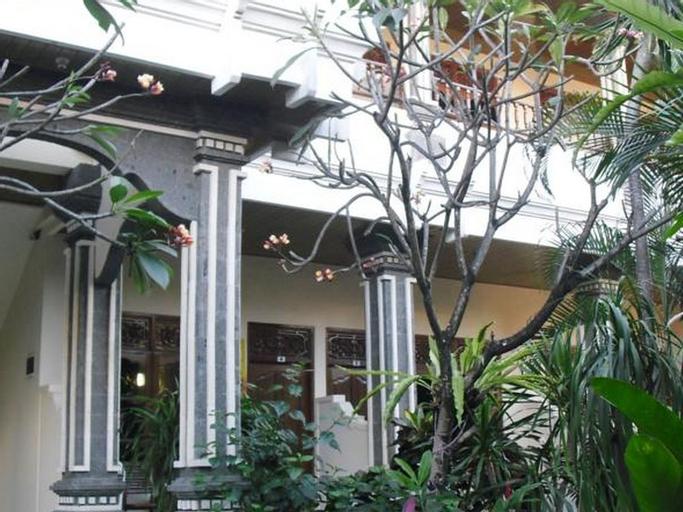 Adus Beach Inn, Badung