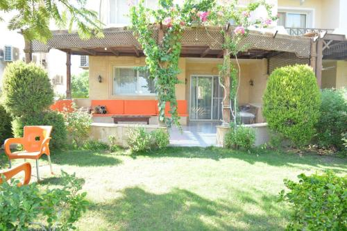 Two Bedroom Chalet in Stella Di Mare, 'Ataqah