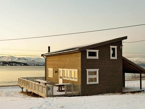 Two-Bedroom Holiday home in Nord-Lenangen, Lyngen