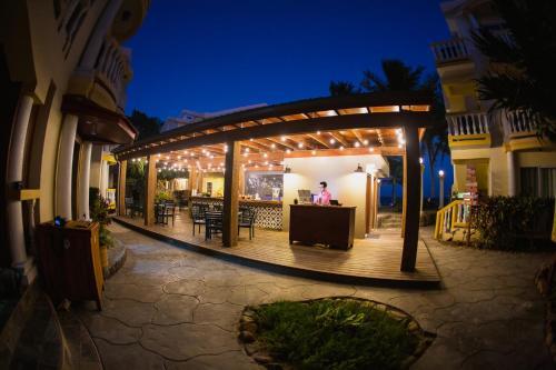 Pelican Reef Villas Resort,