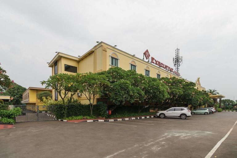 RedDoorz Plus near Dunia Fantasi Ancol, North Jakarta