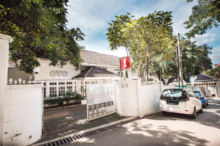 OYO 332 Residence G17 Near Siloam Hospitals ASRI, Jakarta Selatan