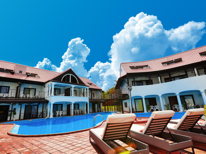 The Pool Resort Okinawa, Onna