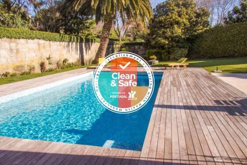 Liiiving in Porto | Oporto Garden Pool House, Porto