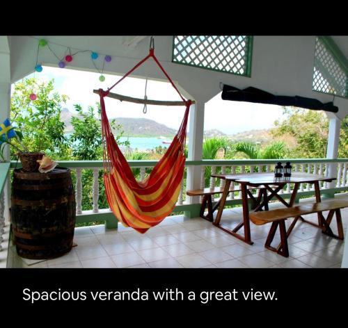 Carriacou Tyrrel Bay's hide away, room,