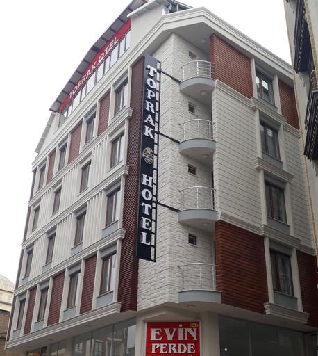 Toprak Hotel, Merkez