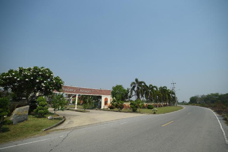 OYO 926 Sydney Resort, Muang Suphanburi