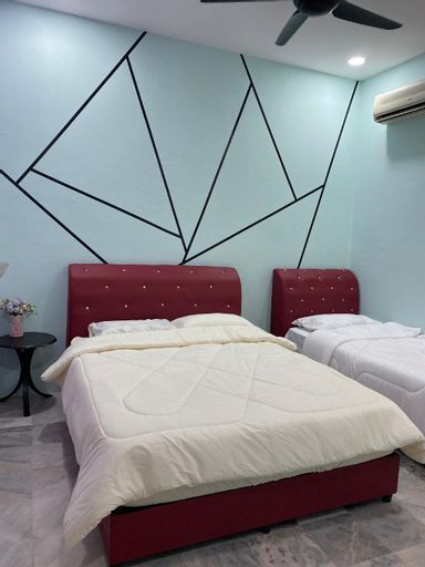 Entire House@ EE Summer Guest House@ 4beds, Seremban