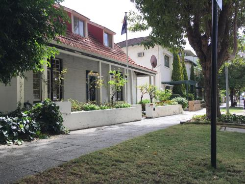Charming Federation style home minutes from CBD, Perth