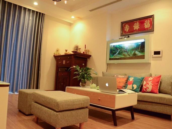 Luna's Splendid Home, Hoàng Mai