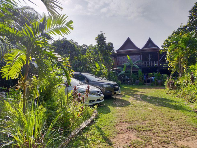 Baanthaeraek Vintage Bungalow (Pet-friendly), Muang Songkhla