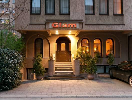 Glam Hotel,