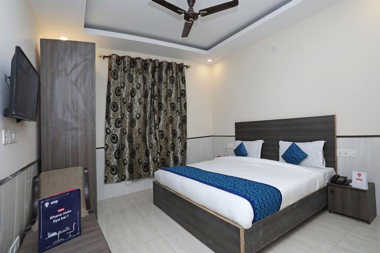 OYO 11416 Hotel Redisston, Gautam Buddha Nagar
